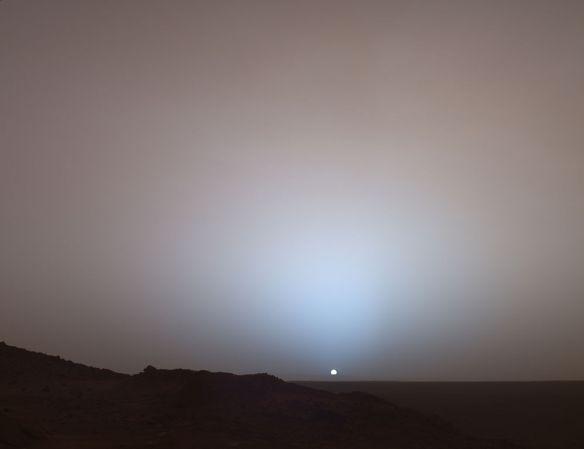 Martian sunset: Spirit at Gusev crater